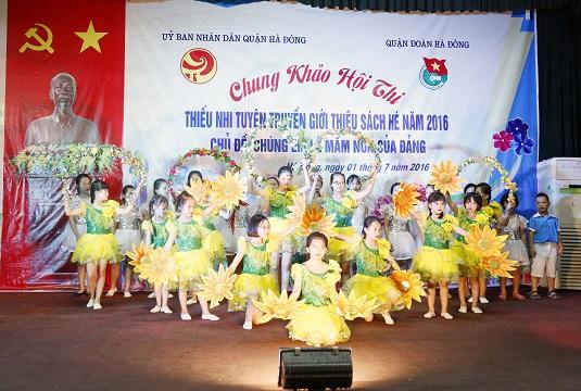 Chung khảo Hội thi thiếu nhi tuyên truyền giới thiệu sách hè quận Hà Đông năm 2016