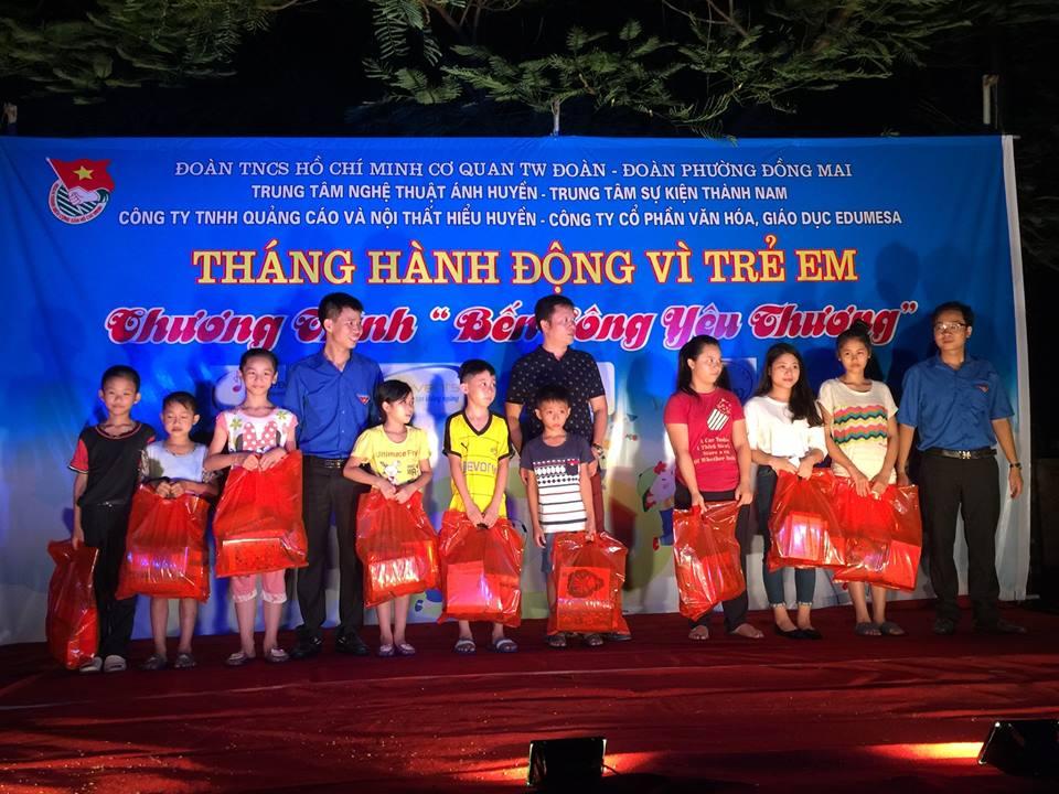 """Chương trình """"Bến sông yêu thương"""" tại TDP 18 phường Đồng Mai"""